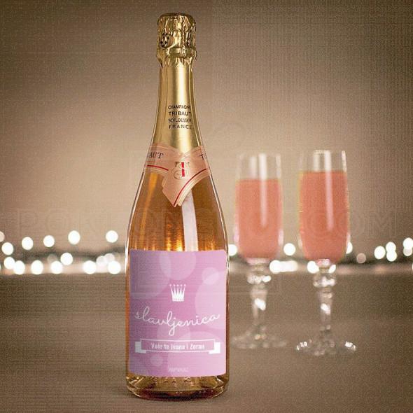 Slavljenica poklon šampanjac