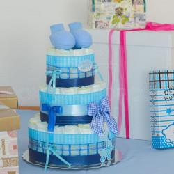 Plave patofne poklon torta od pelena