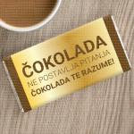 Ona te razume poklon čokolada