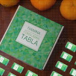 Zelena tabla poklon kutija sa čokoladicama