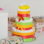 Žute patofne poklon torta od pelena