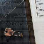 Ime i prezime poklon USB